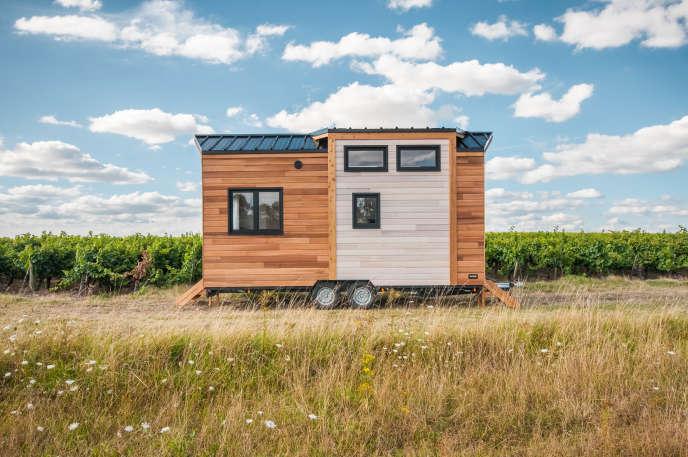 La Tiny House Epona (Baluchon) pour deux personnes, dans la région deBayonne (Pyrénées-Atlantiques), en août 2018.