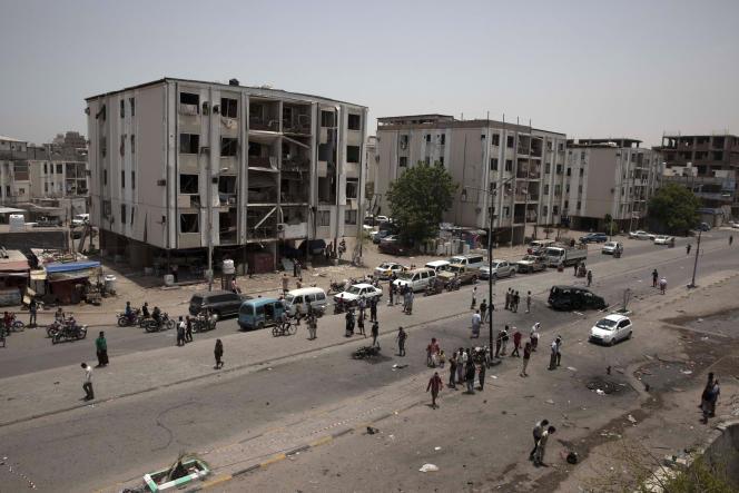 Une voiture piégée a explosé à l'entrée d'un QG des forces de l'ordre, dans le quartier de Cheikh Othman, à Aden, au Yémen, le 1er août.