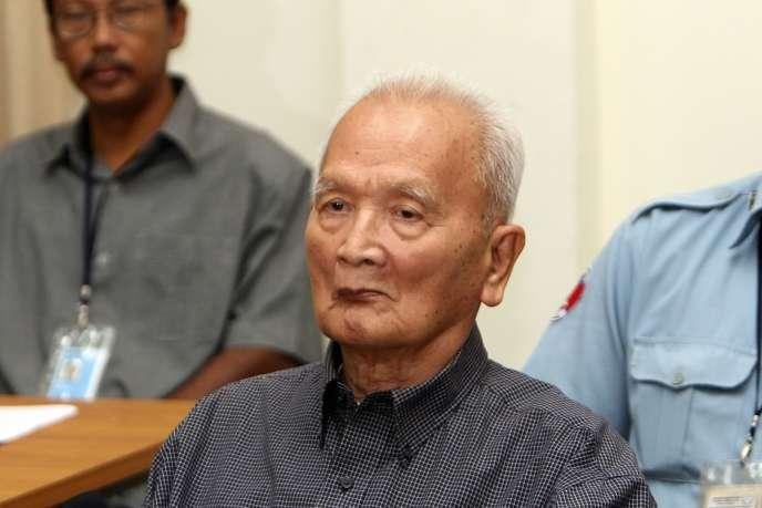 L'ancien dirigeant des Khmers rouges, Nuon Chea, devant le tribunal de la Cour du Cambodge (CETC), à Phnom Penh, le 4 février 2008.