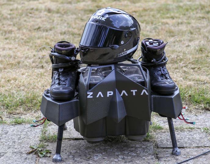 La machine volante utilisée par l'inventeur français Franky Zapata pour traverser la Manche, le 4 août.