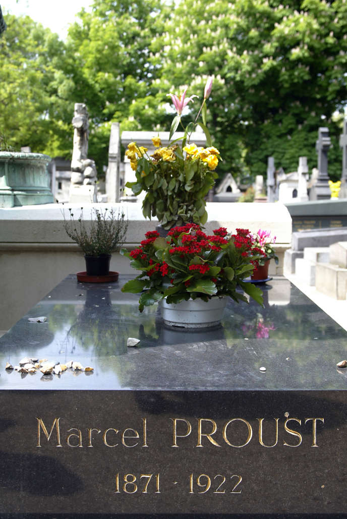 La tombe de Marcel Proust au cimetière du Père-Lachaise (Paris).