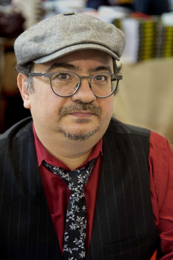 L'écrivain français de fantasy Pierre Pevel, à la Foire du livre de Brive-la-Gaillarde (Corrèze), en 2016.