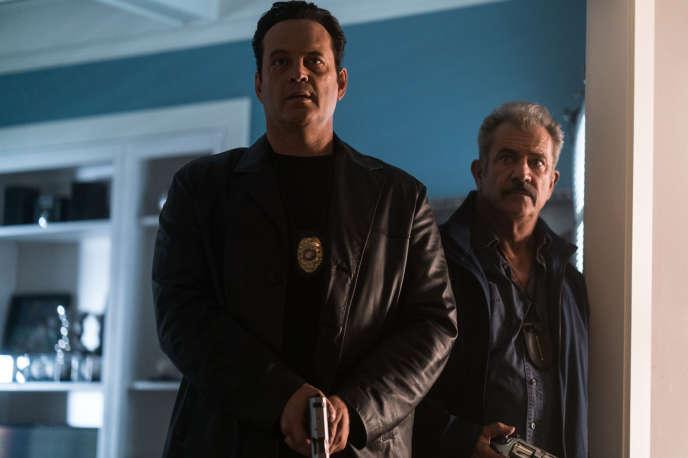 Vince Vaughn et Mel Gibson dans « Traîné sur le bitume » (2018), de S. Craig Zahler.