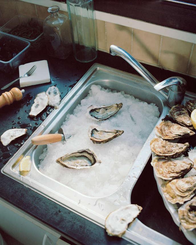 Les huîtres sont des sources d'iode, comme les moules, les oursins et les homards, ainsi que certains whiskys et vins blancs secs.