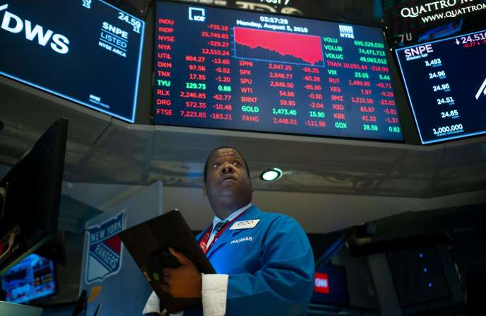 Un trader du New York Stock Exchange le 5 août.