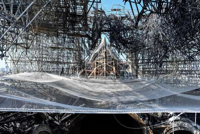 Quelque 400 tonnes de plomb ont fondu lors de l'incendie de la cathédrale Notre-Dame, à Paris, le 15 avril.
