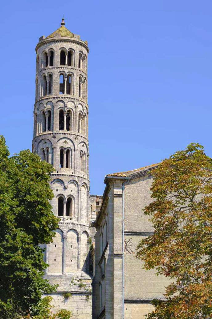 La tour Fenestrelle de la cathédrale Saint-Théodorit d'Uzès.