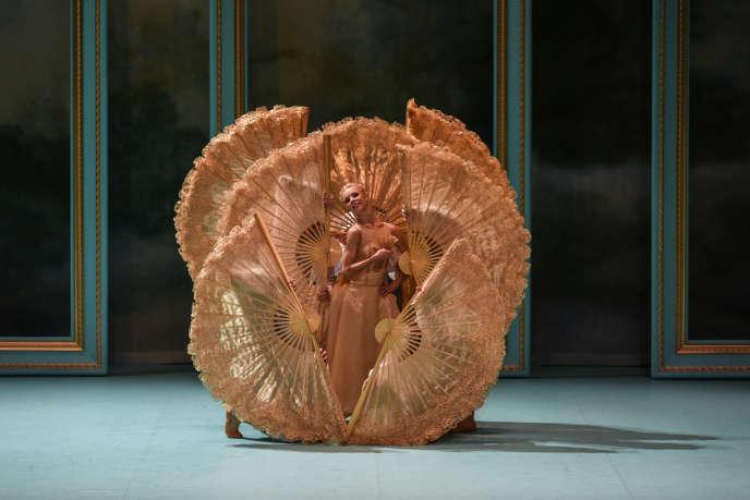 Claire Lonchampt dans «Marie-Antoinette», de Thierry Malandain, au Kursaalde Donostia-Saint Sébastien (Espagne),le 14 février.