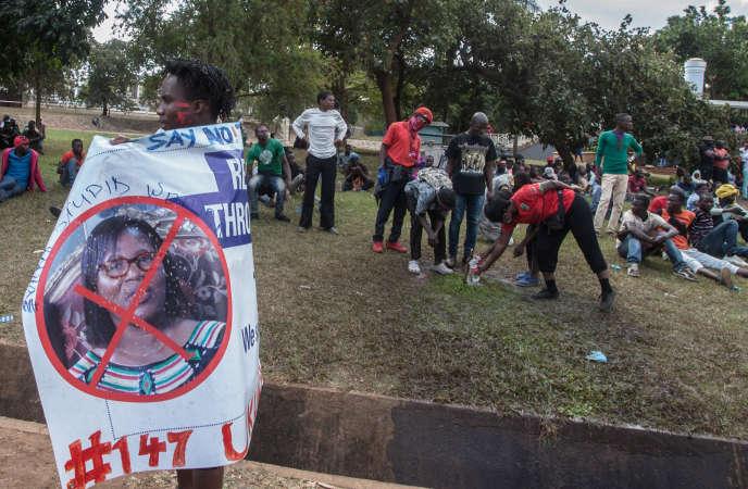 Lors d'une manifestation demandant la démission de la présidente de la commission électorale, Jane Ansah, à Lilongwe, au Malawi, le 4juillet 2019.