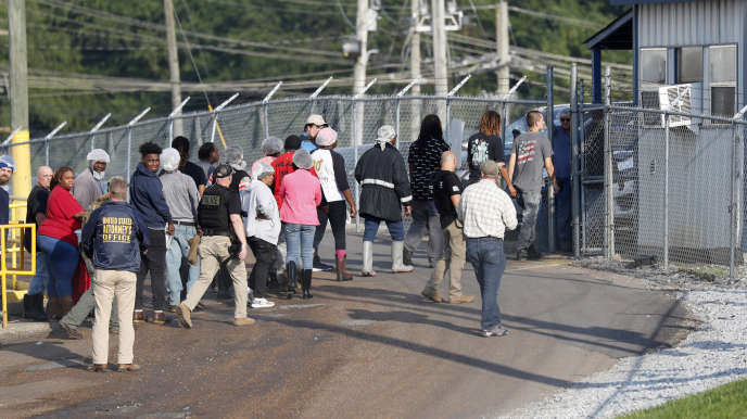 United States: several simultaneous raids by the immigration control agency, 680 Latino workers arrested
