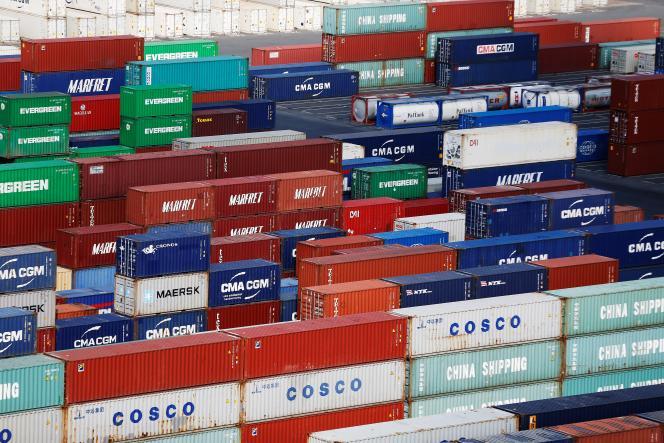 Des porte-conteneurs au port du Havre, en septembre 2018. Depuis quinze ans, la France importe plus qu'elle n'exporte.