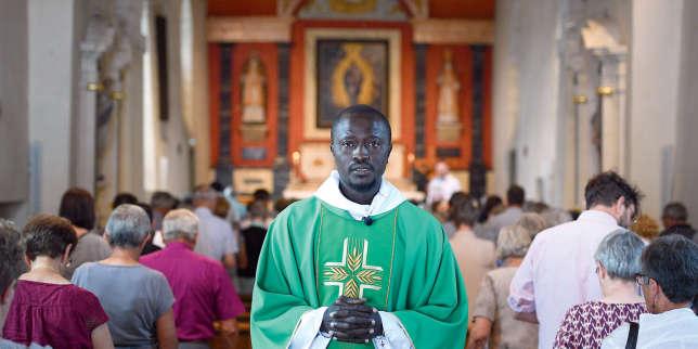 Des prêtres africains assurent l'intérim d'été au diocèse d'Anjou