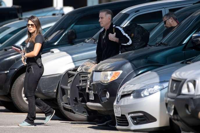 Eike Batista lors de son arrivée dans les locaux de la police fédérale après son arrestation à Rio, le 8 août.