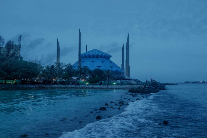 In Maldives, Puritan Islam gains ground