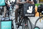Des livreurs Deliveroo en grève, à Paris, le 7 août.
