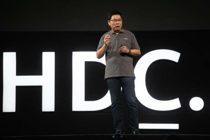 Richard Yu, le directeur exécutif de Huawei, vendredi9août.