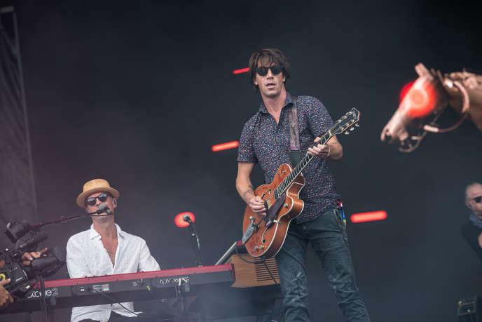 Tibor Kiss (au premier plan) et Szilárd Balanyi, du groupe hongrois Quimby, au Sziget Festival,le 8 août.