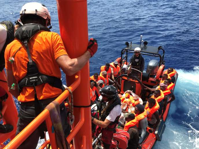 "In two days, nearly 170 migrants rescued by the ""Ocean Viking"" off Libya"