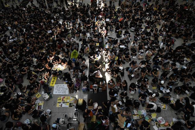Le hall de l'aéroport international de Hongkong, le 9 août.