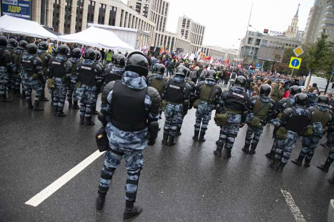 Tens of thousands gathered in Moscow to demand free elections