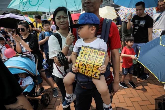 Un dépliant a été distribué aux enfants pour expliquer de manière ludique les enjeux de la manifestation du samedi 10 août.