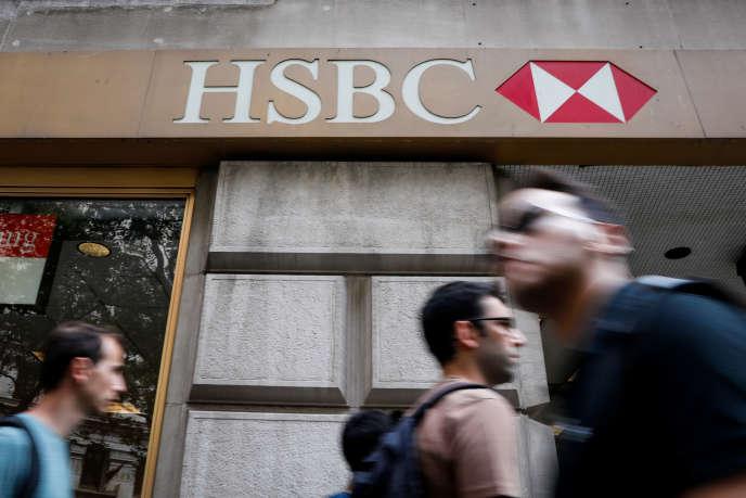 HSBC à New York, le 7 août 2019. La banque britannique a annoncé, le 5 août, la suppression de 2 % de ses effectifs, soit près de 4 000 postes.