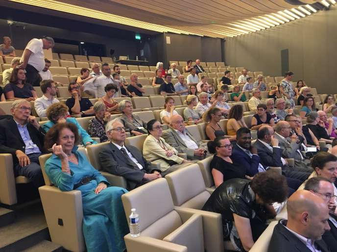 Le public, lors de la remise des Trophées du timbre, le 26 juin, au siège de La Poste.