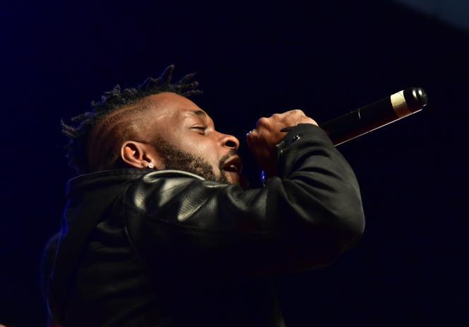 DJ Arafat lors d'un concert à Abidjan, en Côte d'Ivoire,le 2 octobre 2017.
