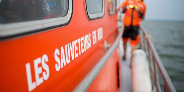Une embarcation chavire dans la Manche, trois enfants morts