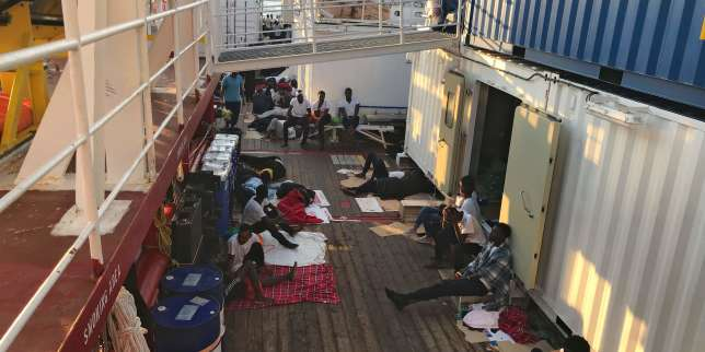 Sauvetages humanitaires : plus de 400 migrants sur l'Ocean Viking et l'Open Arms