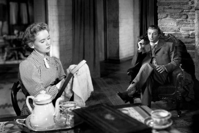 Teresa Wright et Robert Mitchum dans« La Vallée de la peur »,de Raoul Walsh.