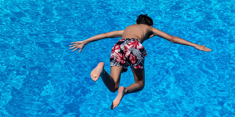 Piscine A Moins De 100 Euros attention aux coûts cachés des piscines