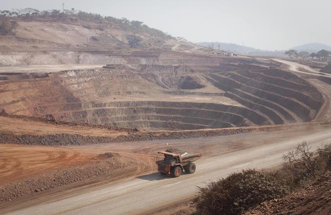 Dans la mine à ciel ouvert de cobalt et de cuivre de Mutanda, en République démocratique du Congo, en août 2012.