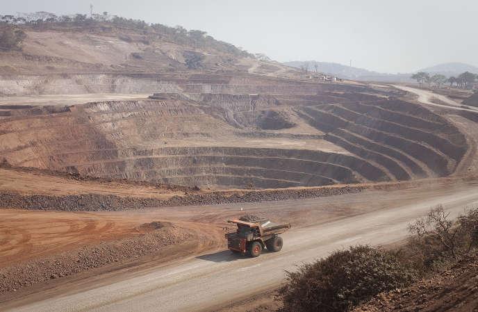 In der Tagebaumine Mutanda, Cobalt und Copper, Demokratische Republik Kongo, August 2012.
