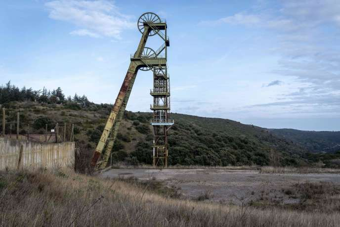Une photo prise à Villanière, le 4 mars, montre l'emplacement de l'ancienne mine d'or de Salsigne fermée en 2004.