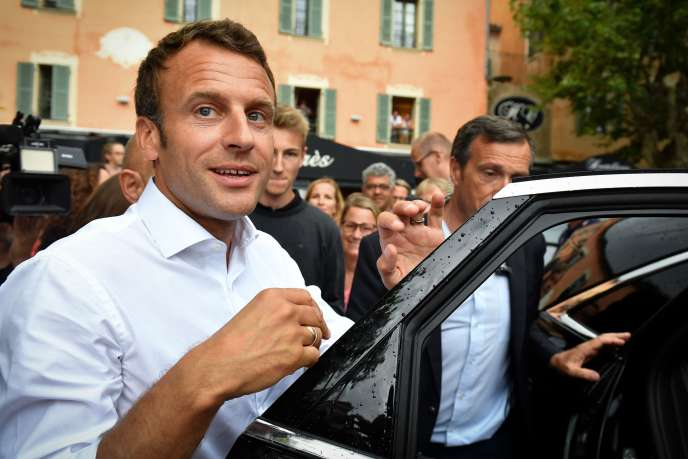 Emmanuel Macron à Bormes-les-Mimosas (Var), le 27 juillet.
