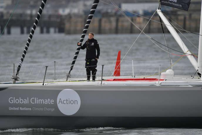 Greta Thunberg sur son bateau à voiles à destination des Etats-Unis, le 14 août.