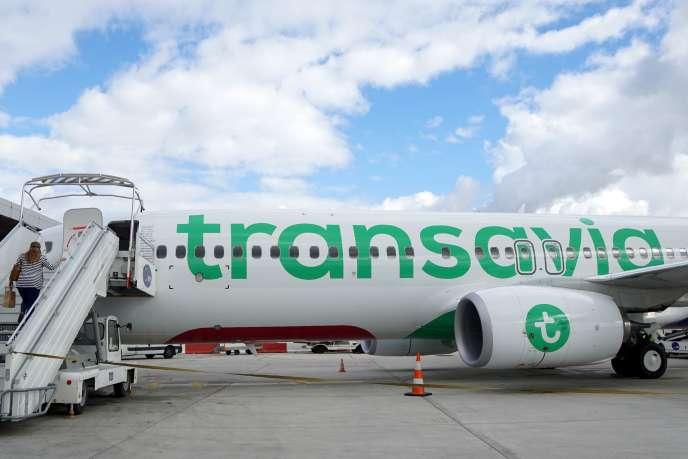 Ben Smith Un Boeing 737-800 de la compagnie Transavia à l'aéroport d'Orly.