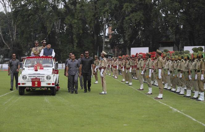 Le gouverneur du Jammu-et-Cachemire, Satyapal Malik, commémore le 73eanniversaire de l'indépendance indienne, à Srinagar, le 15 août.