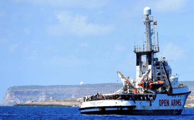 Le navire«Open Arms» devant Lampedusa, Italie, le 16 août 2019.