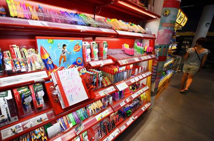 Des fournitures scolaires dans un magasin de Montpellier (Hérault), en août 2017.