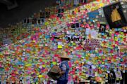 Sur le mur du parlement hongkongais le 2 juillet, le lendemain de son occupation par des opposants au gouvernement pro-Pékin.