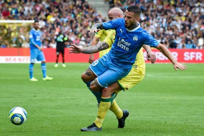 Dario Benedetto face à Nicolas Pallois, le 17 août à Nantes.