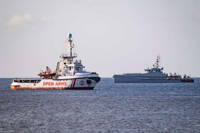 L'Open-Arms, au large de l'île italienne de Lampedusa, le 17 août 2019.