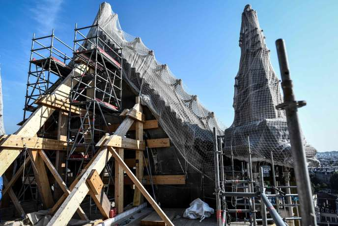 La toiture de la cathédrale Notre-Dame de Paris, le 17 juillet.