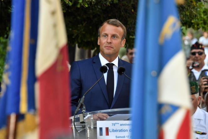 Le président Emmanuel Macron, le 17 août, lors de la cérémonie du 75eanniversaire du débarquement à Bormes-les-Mimosas (Var).