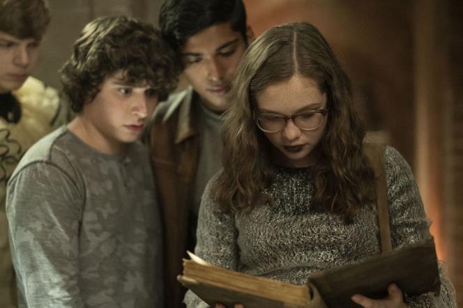 Gabriel Rush, Austin Zajur, Michael Garza et Zoe Margaret Colletti dans« Scary Stories», d'André Ovredal.