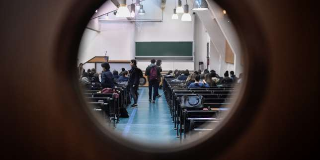 Rentrée universitaire: le gouvernement face au chantier des aides sociales aux étudiants