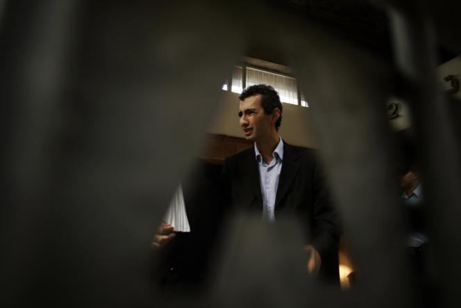 Ahmed Benchemsi, alors directeur de l'hebdomadaire marocain «TelQuel», à Casablanca, en août 2007.