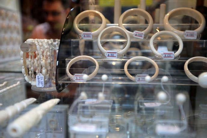 Bracelets en ivoire.